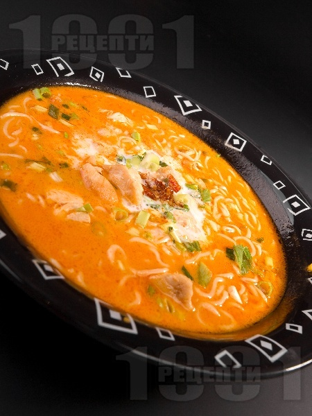 Пилешка тай супа с кокосова сметана, рибен сос и лют пипер - снимка на рецептата